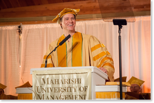 Jim Carrey addressing the grads